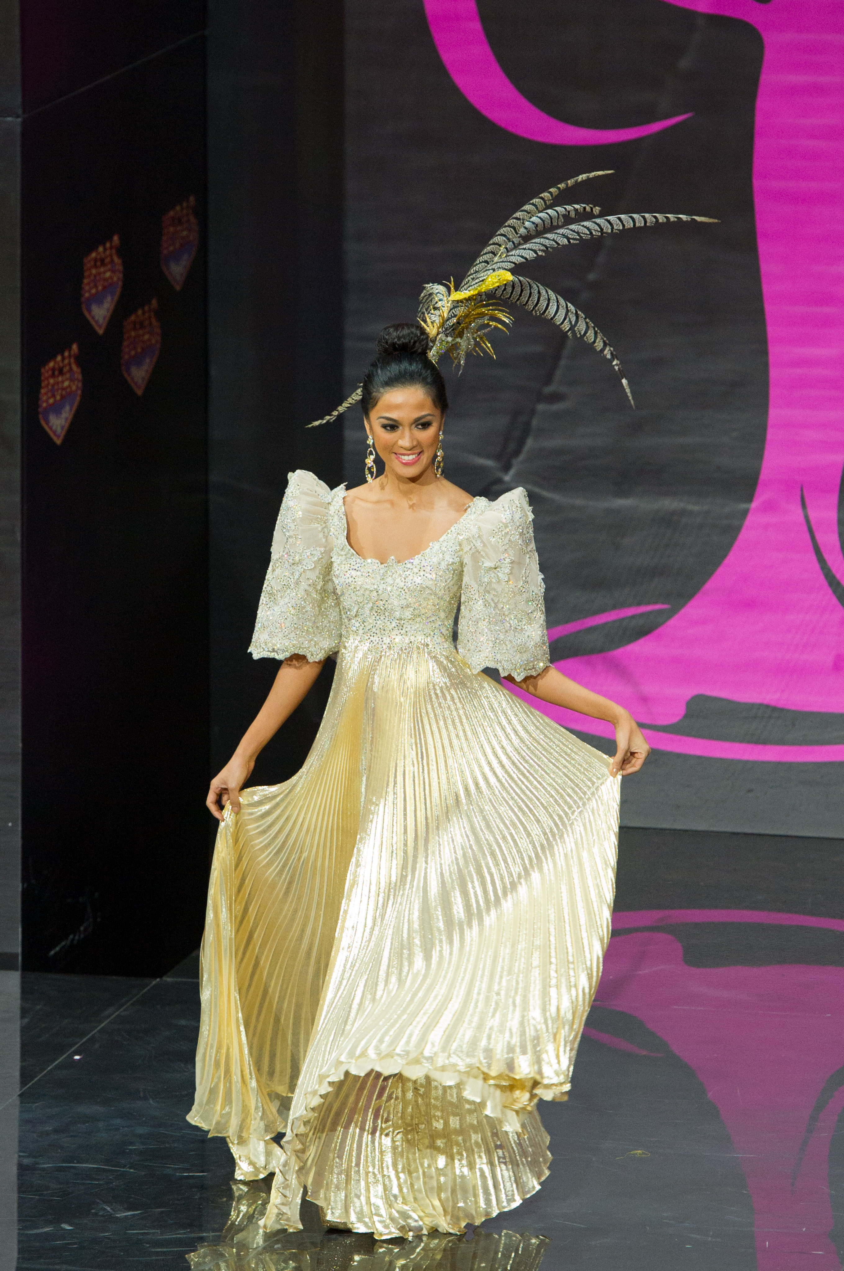 MOSCOW. Ariella Arida, Miss Philippines 2013, models in the National Costume contest at Vegas Mall on November 3, 2013. Photo from the Miss Universe Organization