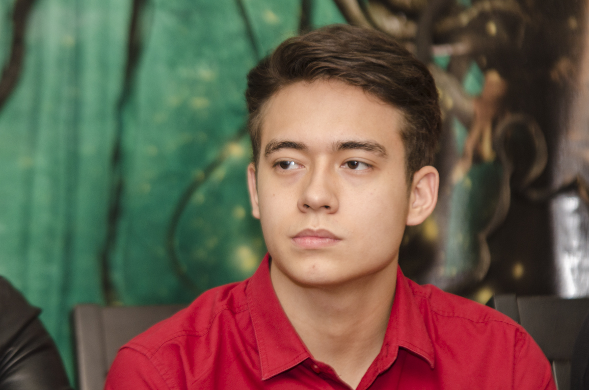 PRIVACY. Jameson Blake pleads to the fans to  stop talking about Franco's death, saying the their friend's family has accepted his death.
