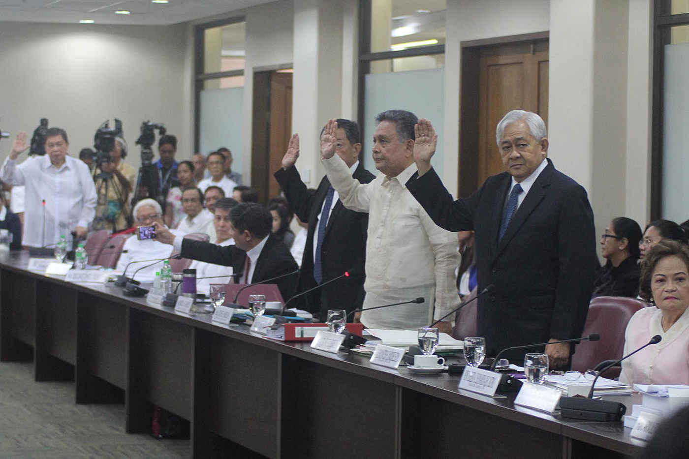 SC JUSTICES. Associate Justices De Castro (seated right), Jardeleza, (2nd right) Tijam (3rd right) and Brion (retired, far left), at the House committee on justice hearing on December 11, 2017. Photo by Darren Langit/Rappler