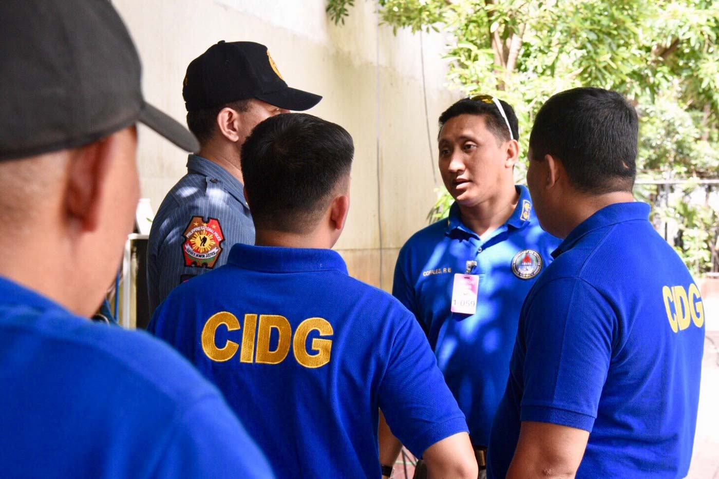 OFF TO SENATE. CIDG personnel are deployed to the Senate for a possible arrest. Photo by Leanne Jazul/Rappler