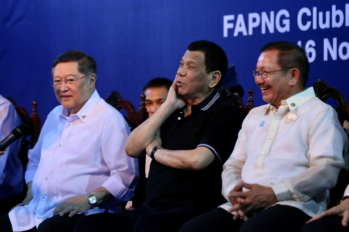 ADVISERS. President Rodrigo Duterte sits with Agriculture Secretary Manny Piu00f1ol (right) who first floated the idea of regulating 'smuggled' agricultural goods from other Southeast Asian countries. Malacau00f1ang file photo