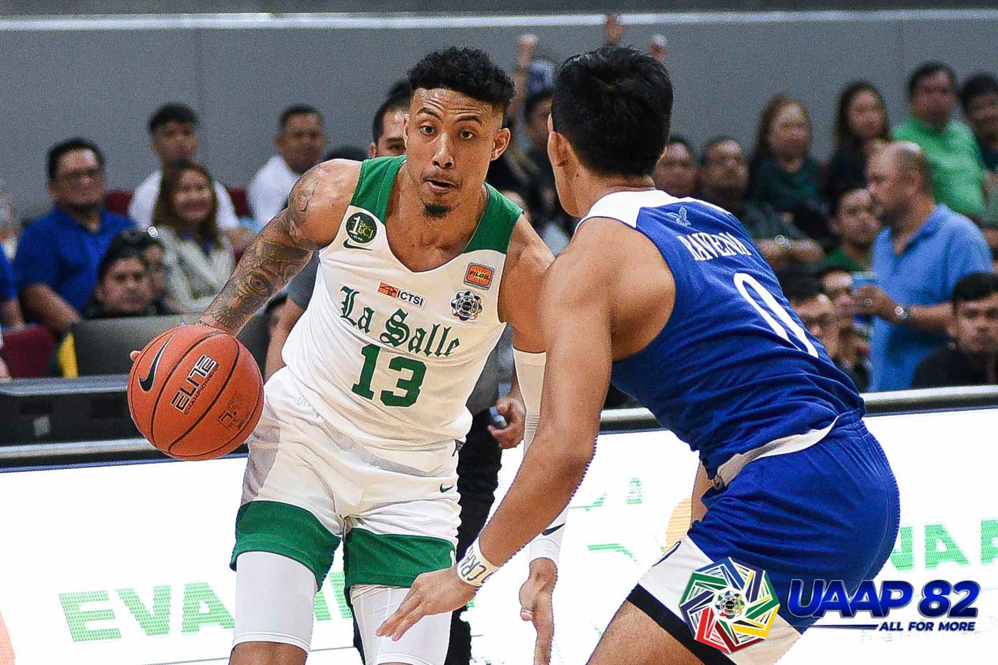 COMEBACK. Jamie Malonzo attempts to fuel La Salleu2019s efforts to wrest the lead, but the Ateneo gang always quickly responds. Photo release