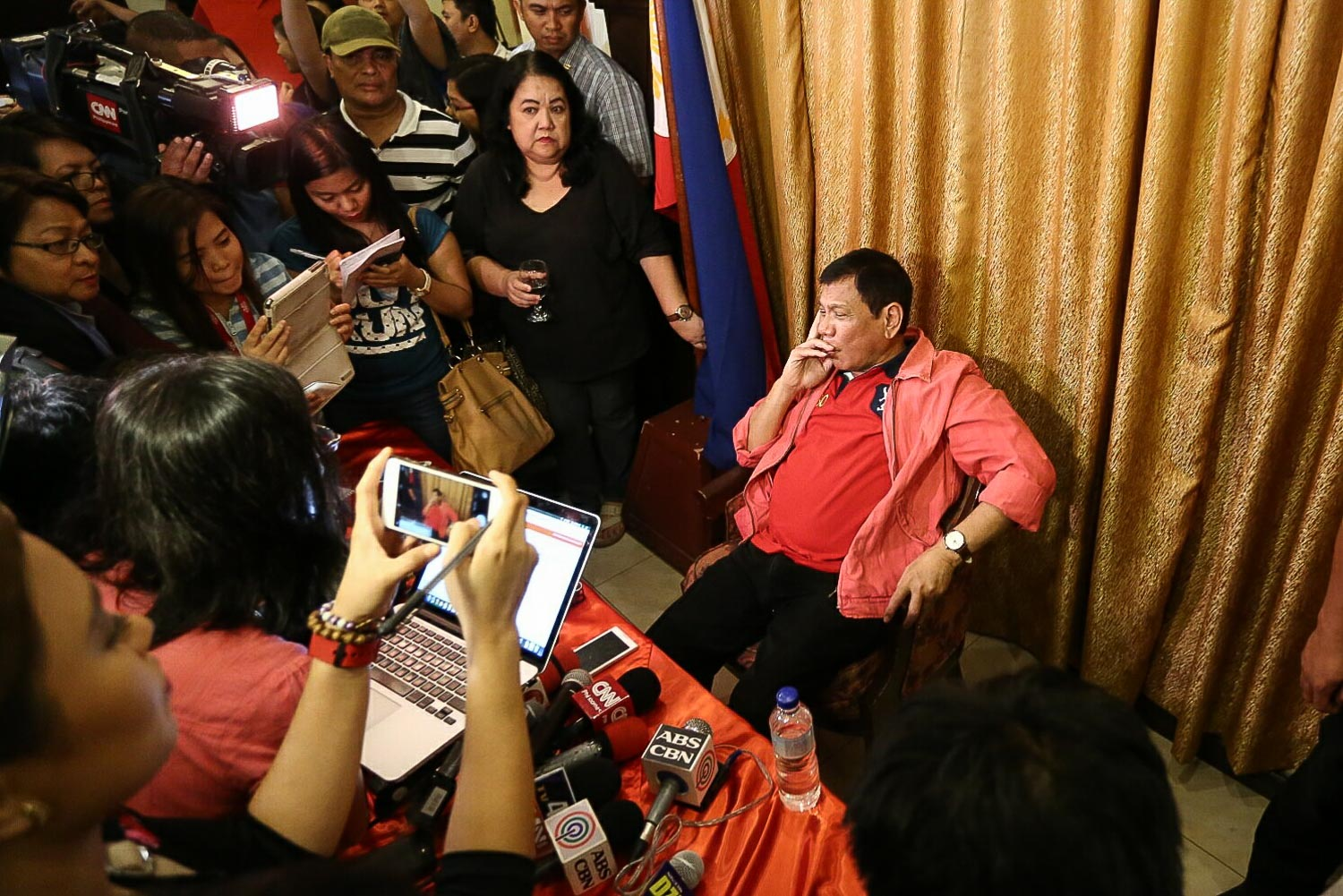 CRITICAL. Rodrigo Duterte speaks with reporters in a press conference on May 26, 2016 in Davao City. Photo by Manman Dejeto/Rappler