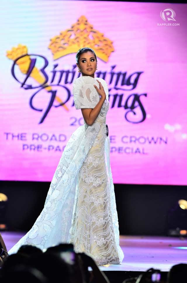BEAUTIFUL IN WHITE. Teresita Ssen 'Winwyn' Marquez in Frederick Peralta at the Bb Pilipinas National Costume Show in 2015. File photo by Rob Reyes/Rappler