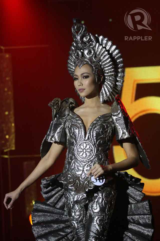 EAGLE INSPIRATION. Ma Theresa Gorgonio's eagle-themed metallic gray costume by Cary Santiago. File photo by Manman Dejeto/Rappler