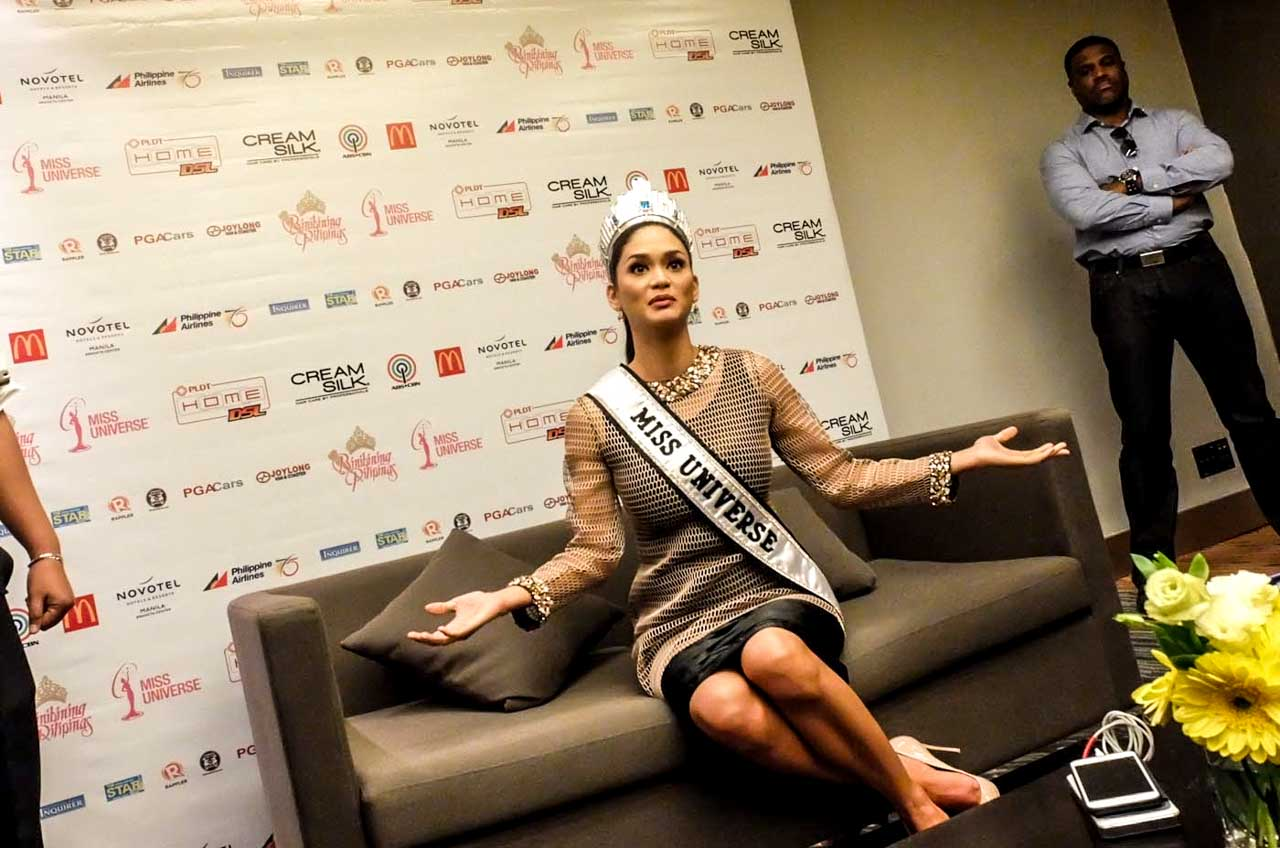 Pia wearing Albert Andrada during the press conference. Photo by Alecs Ongcal/Rappler