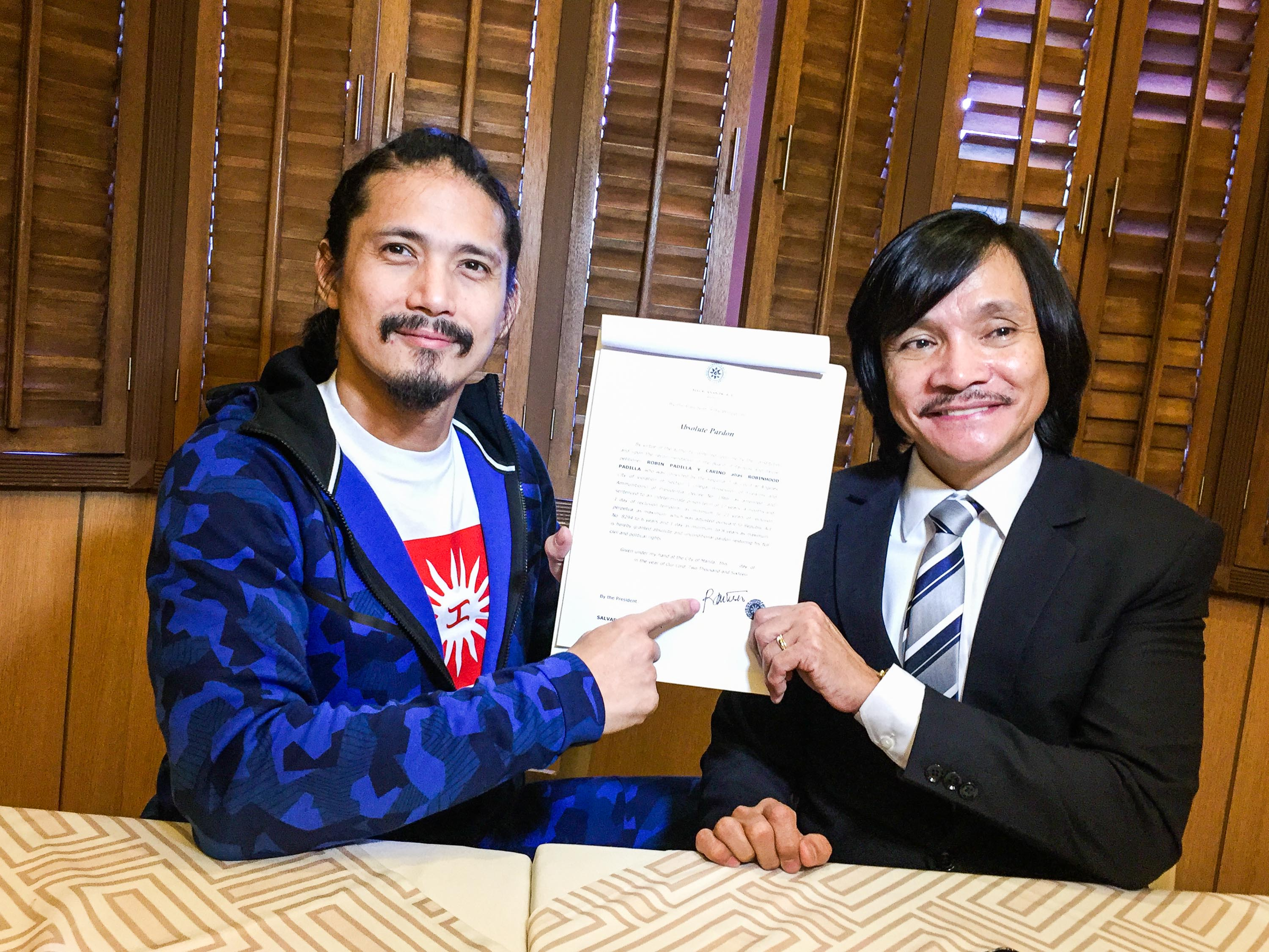 ABSOLUTE PARDON.Robin Padilla and his lawyer Rudolf Jurado. Photo by Vernise L. Tantuco