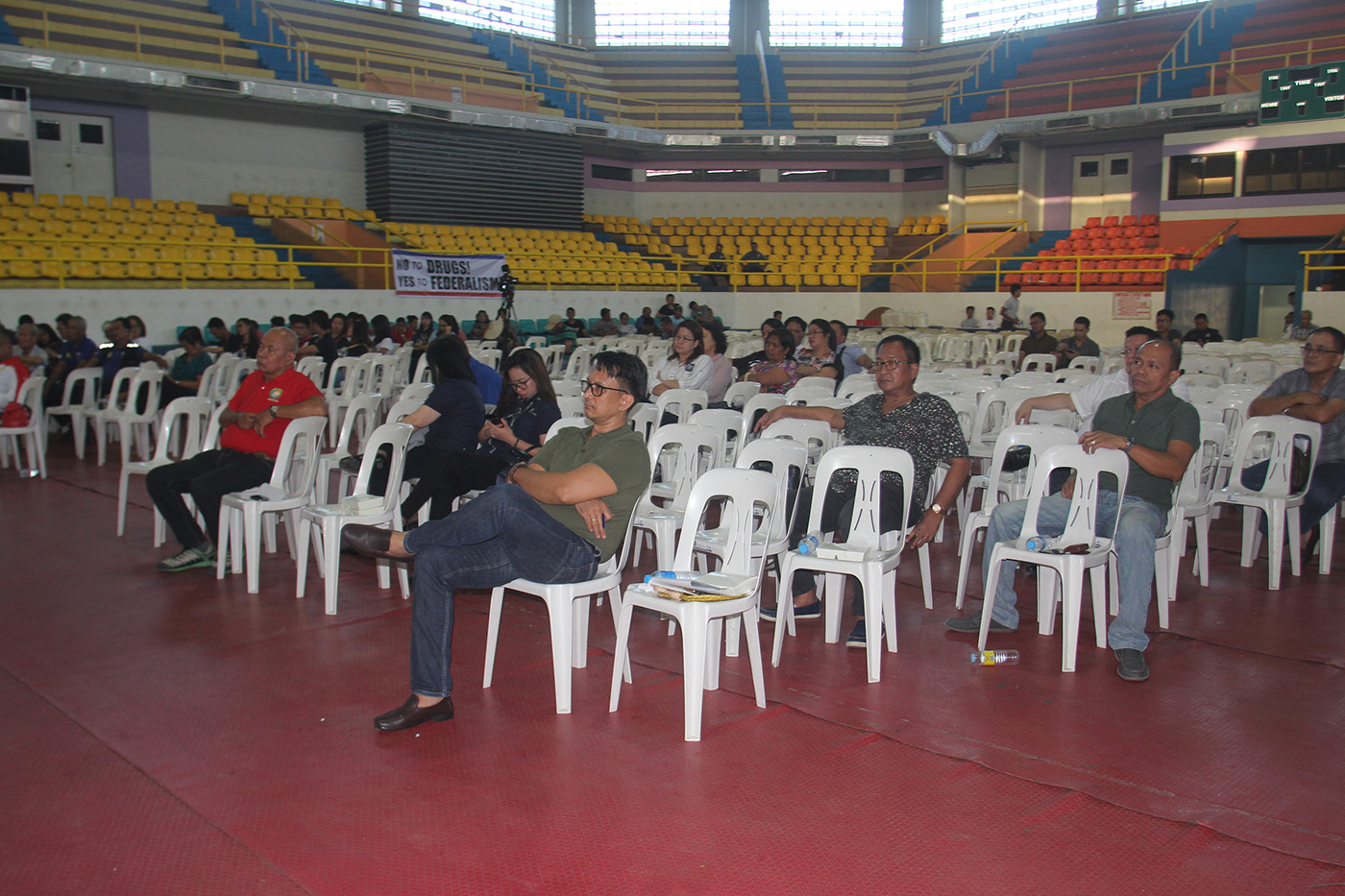 SPARSE CROWD. The crowd was thinner at te second federalism roadshow in Legazpi on December 7, 2018, compared to the first one held in July. Photo by Rhaydz Barcia/Rappler