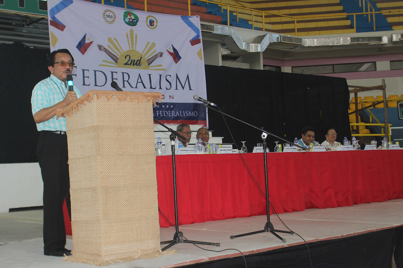 ANTI-CORRUPTION CHIEF. Dante Jimenez, Chairman of the Presidential Anti-Corruption Commission, addresses the 2nd convention on federalism in Legazpi, Albay, on December 7, 2018. Photo by Rhaydz Barcia/Rappler