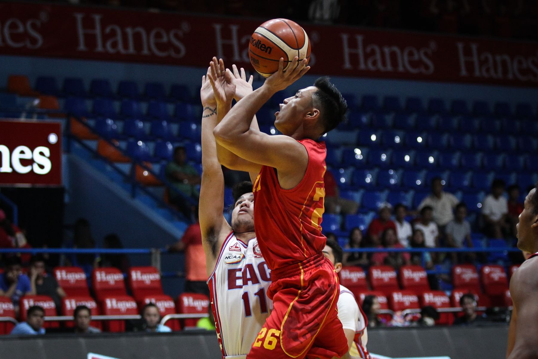 HOLDING THE FORT. Mapua gets the win and remains undefeated even without its big man. Photo by Josh Albelda/Rappler