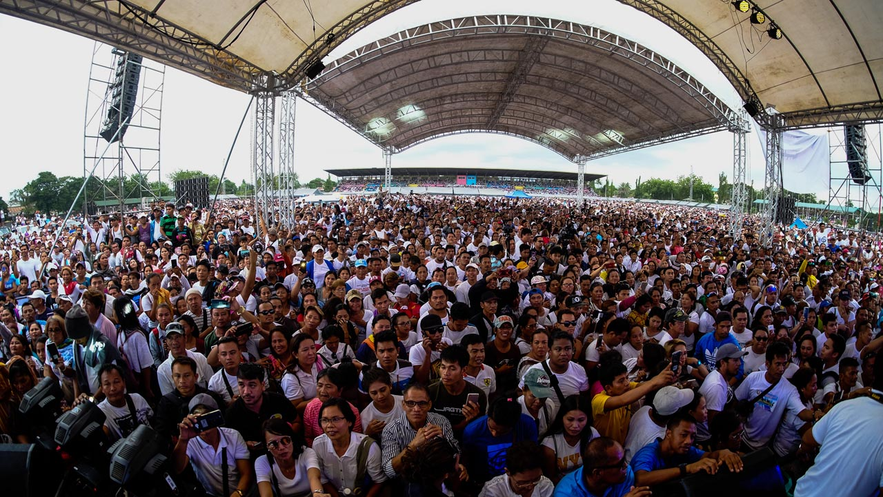 FLOCK. The thousands of members of Kapa Community International Ministry who joined the rally in General Santos City on June 13, 2019. Photo by Bobby Lagsa/Rappler