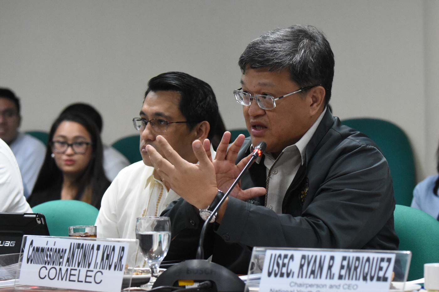 POLL COMMISSIONER. Commissioner Antonio Kho Jr of the Commission on Elections at the Senate hearing on the postponement of barangay and SK elections on September 10, 2019. Photo by Angie de Silva/Rappler