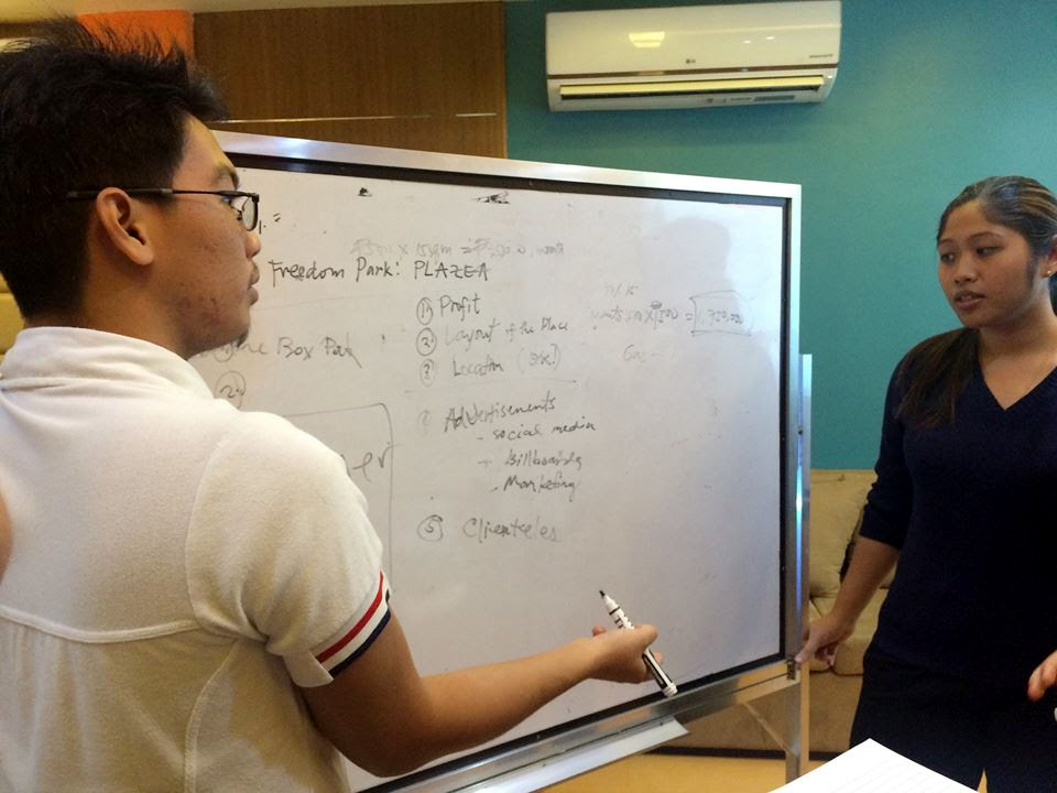 IDEATION. Ginbert Cuaton and Therese Mendoza ideating on how to create a plaza.