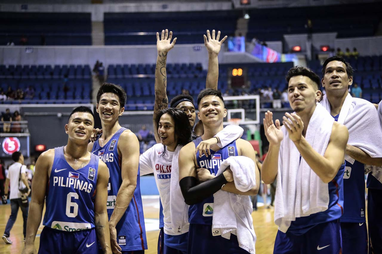 APPRECIATION. Gilas Pilipinas acknowledges Ultras Filipinas after the game against Malaysia. Photo by Josh Albelda/Rappler