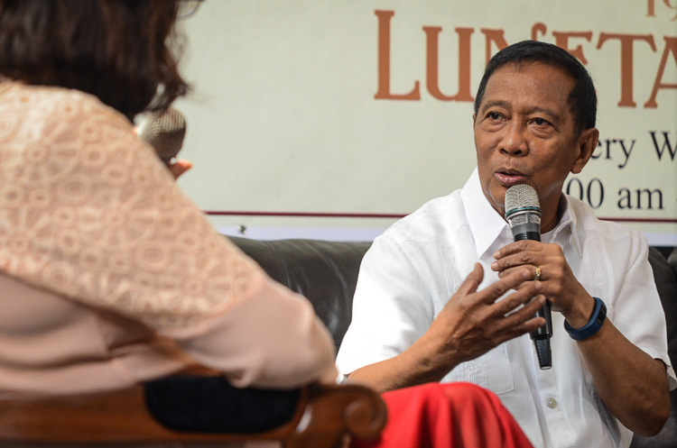 ANTI-CORRUPTION DRIVE. Vice President Jejomar Binay tells reporters that if elected, he will continue the Aquino administration's anti-corruption campaign, on June 10, 2015.