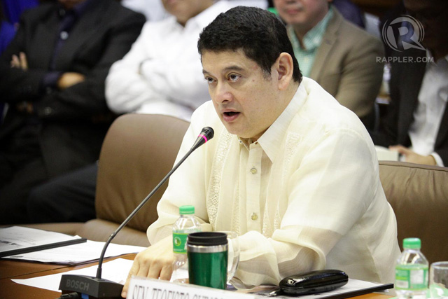 LAW NEEDED. Senator Teofisto Guingona III says there is basis to believe a syndicate is behind the questionable PhilHealth claims made by some hospitals and eye clinics. File photo by Mark Cristino/Rappler