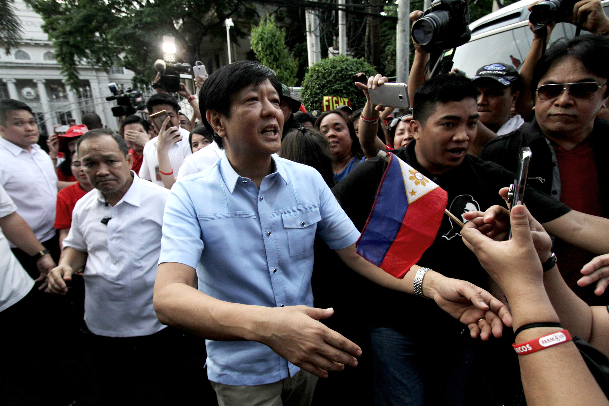 SEEKING A RECOUNT. Ferdinand Marcos Jr heads to the Supreme Court on April 17, 2017 for the payment of the first installment of his recount fee. Photo by Inoue Jaena/Rappler