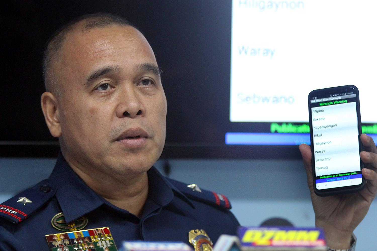 KNOW YOUR RIGHTS. Chief Supt. Dennis Siervo, head of the PNP Human Rights Affairs Office, talks about the Know Your Rights app during a press conference Sunday, December 4, 2017. Photo by Darren Langit/Rappler