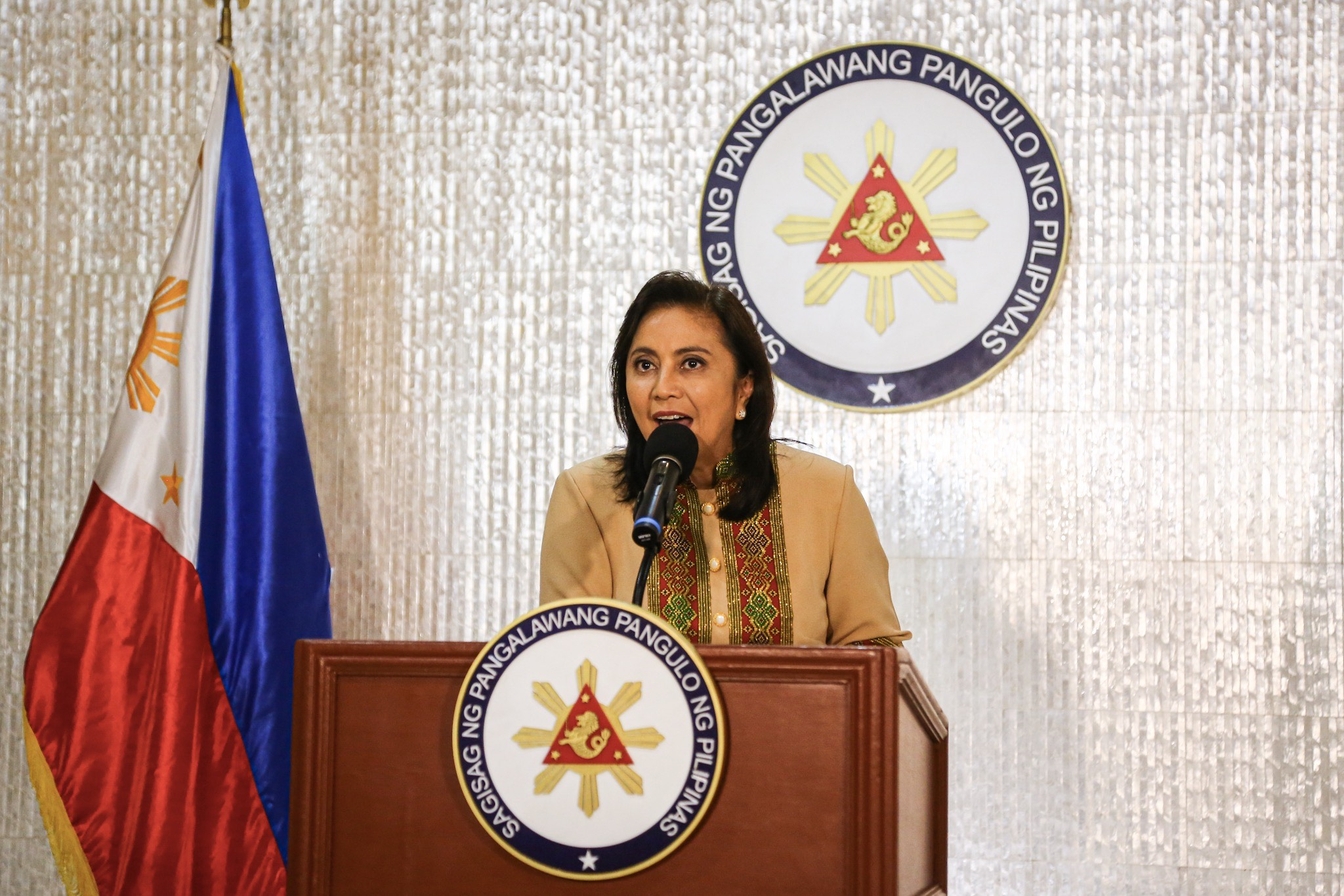 VICE PRESIDENT President Leni Robredo announces in a press conference on November 6, 2019, that she is accepting the anti-drug post offered by President Rodrigo Duterte. Photo by Jire Carreon/Rappler