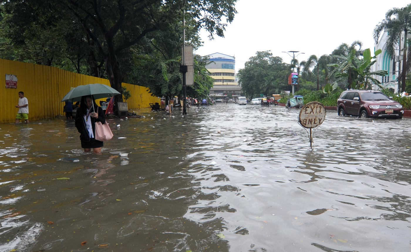FLOODED. Maring, which hit land as a tropical depression then later became a tropical storm, triggers floods in Manila on September 12, 2017. File photo by Ben Nabong/Rappler