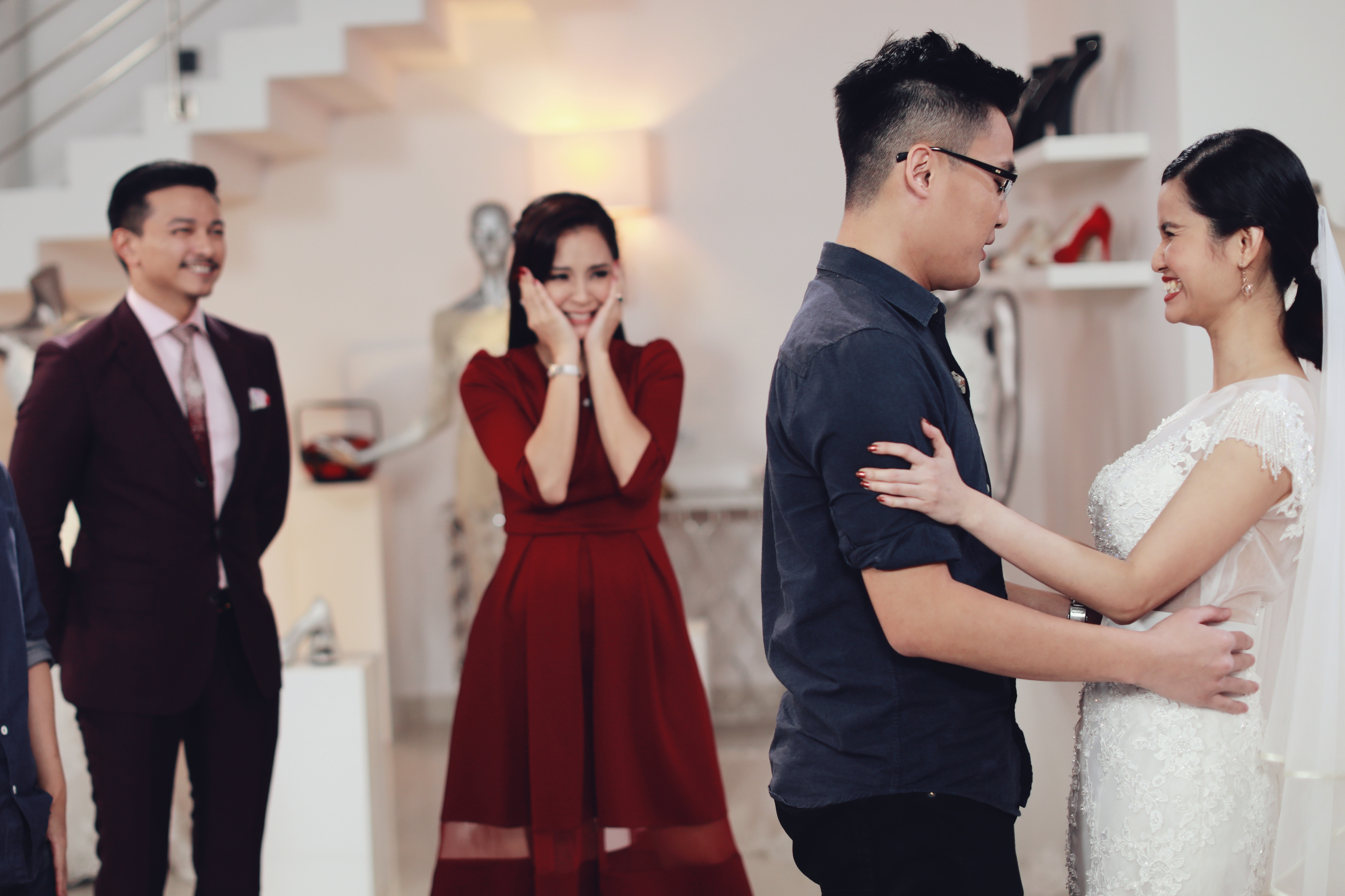 'Say Yes To The Dress Asia' hosts u2013 renowned Malaysian fashion designer Jovian Mandagie and television presenter/actress Daphne Iking u2013u00a0give Asian brides memorable moments as they find the perfect dress