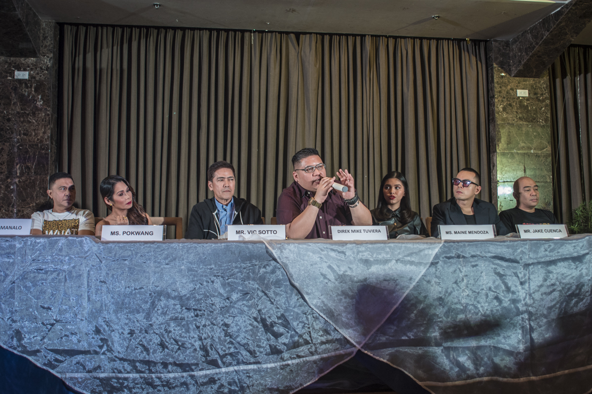 ACTION AND ADVENTURE. Vic, director Mike Tuviera, and the cast of the film during the press conference. Photo by Rob Reyes/Rappler