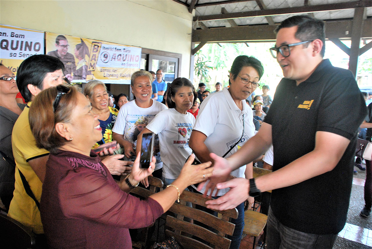 BACOLOD SORTIE. Senator Bam Aquino meets with the Otso Diretso volunteers in Bacolod City on March 12, 2019. Photo by Marchel P. Espina/Rappler