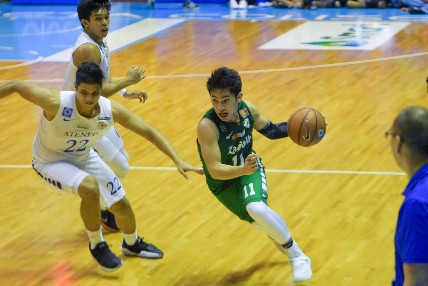 INTENSE. Aljun Melecio of De La Salle displayed the champion's heart, but his efforts fell short. Photo by Alecs Ongcal/ Rappler