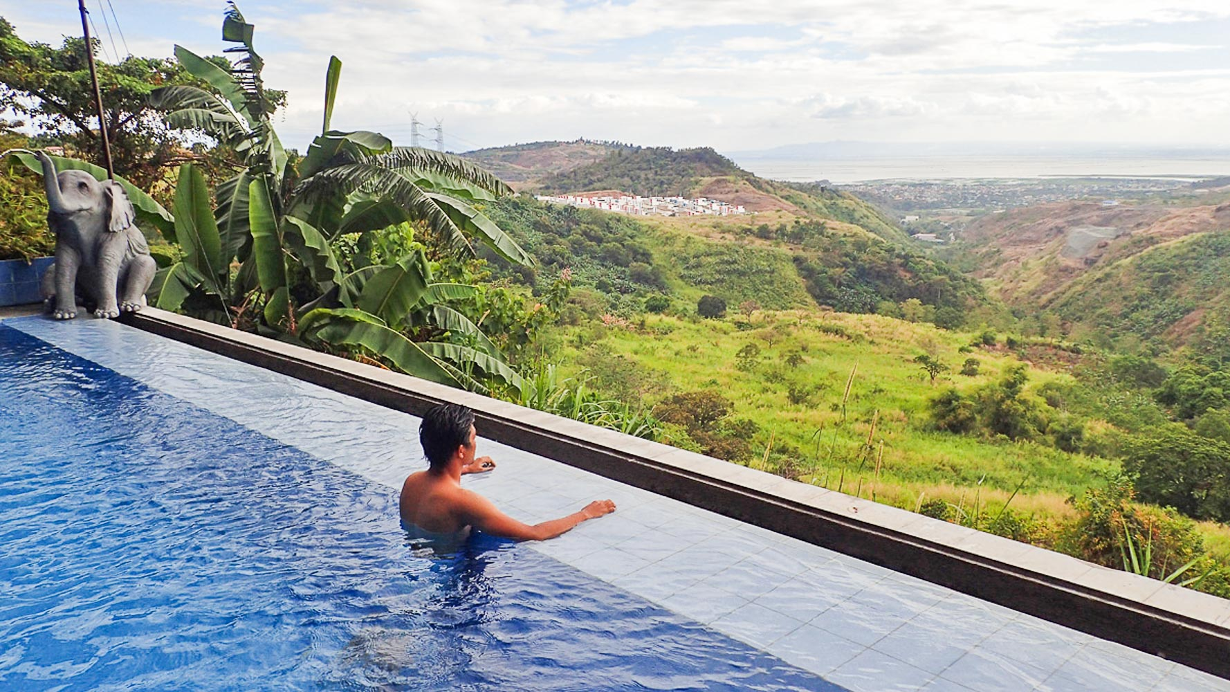 POOLSIDE. Gorgeous views at Luljetta's infinity pool. Photo by Rhea Claire Madarang