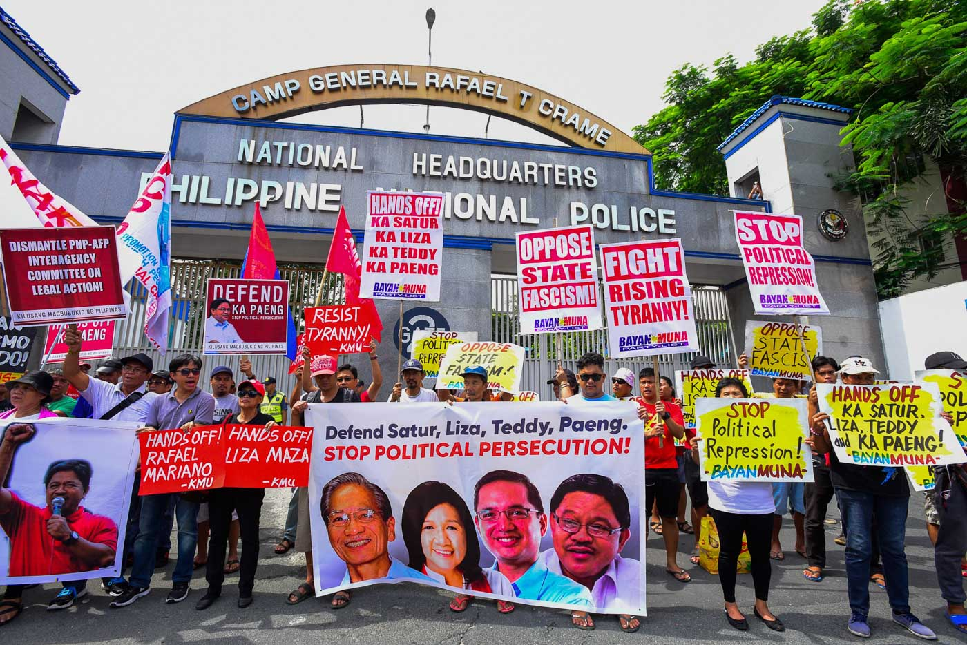 RESISTANCE. Militant groups protest at Camp Crame on July 30, 2018. Photos by Maria Tan/Rappler