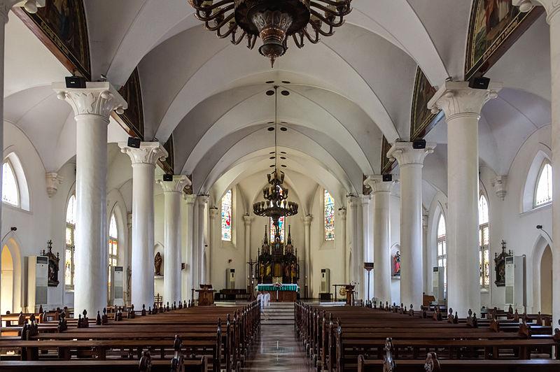 Interior Gereja Gedangan Semarang. Foto dari Wikimedia