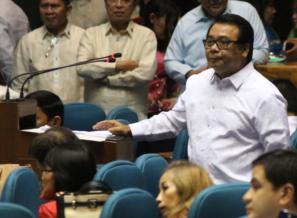 LAST CHANCE. Bayan Muna Party-list Representative Neri Colminares appealed to his fellow lawmakers to override President Benigno aquino III's veto of the proposed pension hike. Photo by: Joel Liporada/Rappler