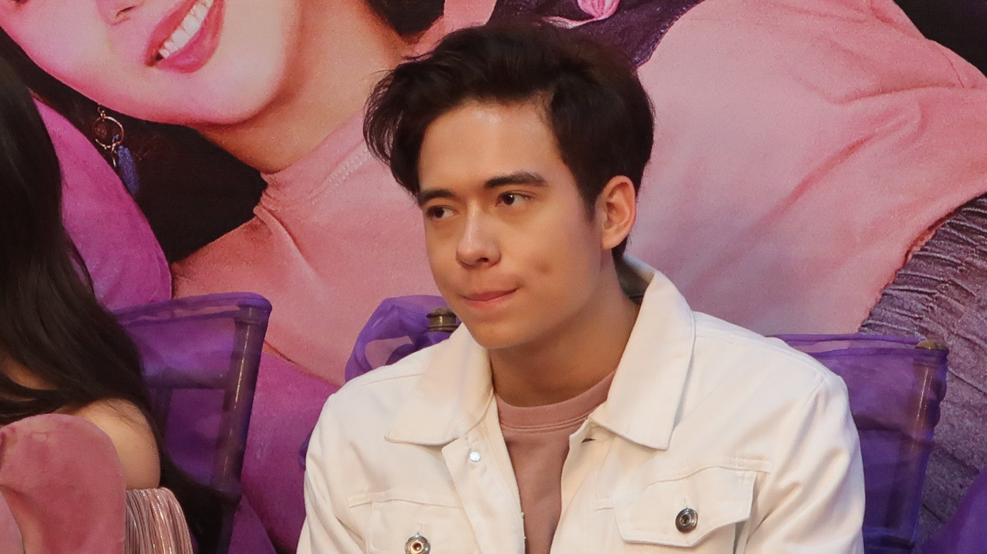 CRYPTIC MESSAGE. Jameson says he understands director Jun Lana's statement on the delay of their movie 'Ang Babaeng Allergic sa Wifi.'