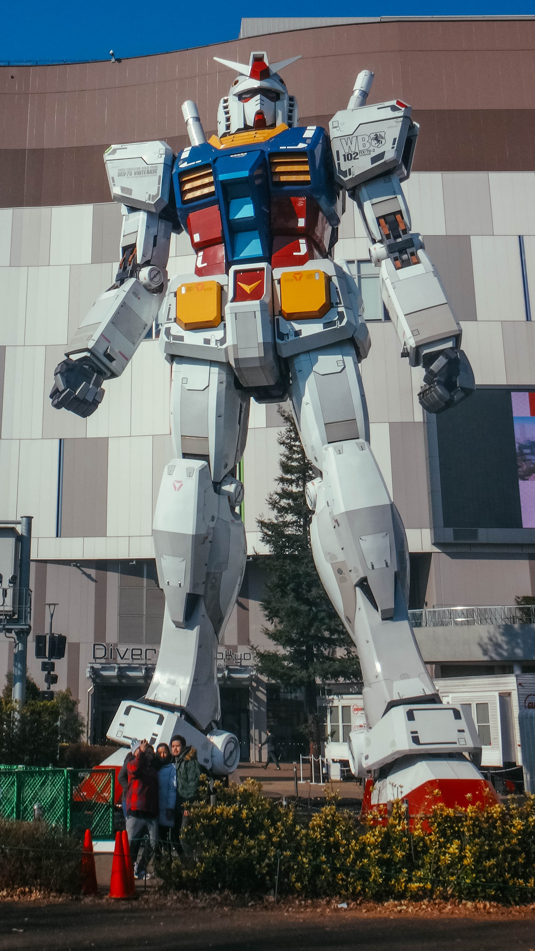 GUNDAM. A huge Gundam stands sentry at Diver City Tokyo Plaza. Photo provided by Irene Maligat