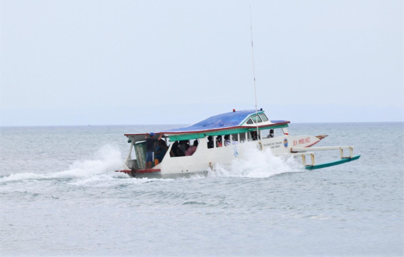 TEST RUN. Test run of Panukulan town's sea ambulance at 20 knots km/h. Photo courtesy of DOH-CALABARZON
