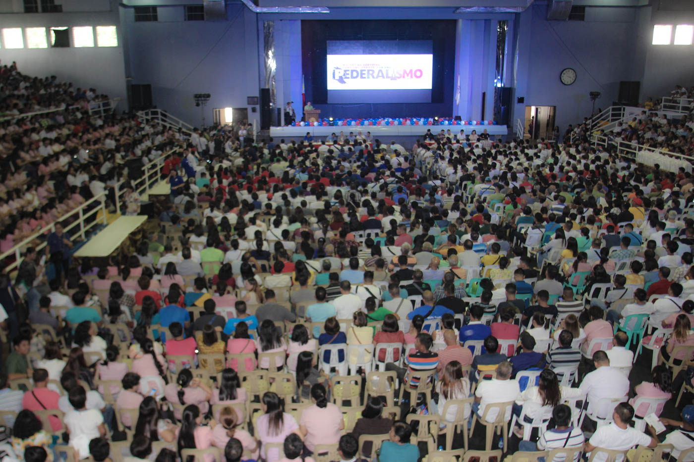 ROADSHOW. Participants gathered at the Regional Federalism Convention in Legazpi City on July 6, 2018. Photo by Rhaydz Barcia/Rappler