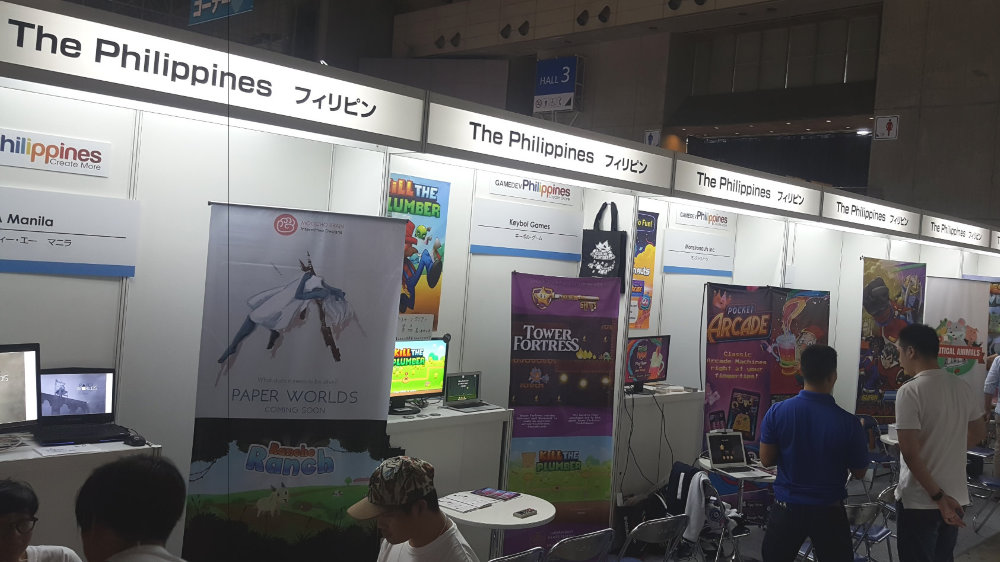 PH CONTINGENT. Improvements to internet services in the country may help increase the presence of the Philippines in international gaming expos. Photo by Allen Tan of Monstronauts