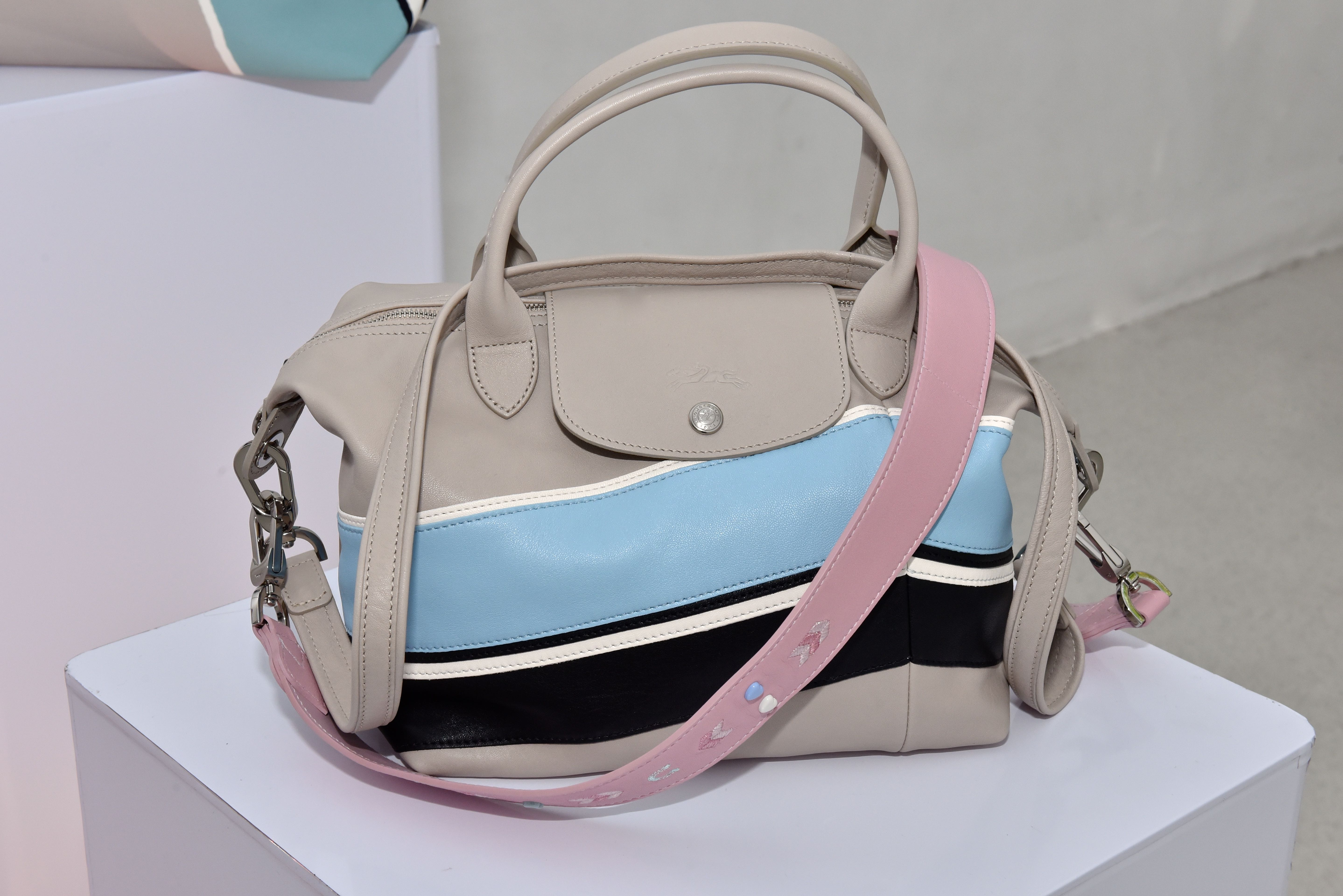 CLASSIC WITH A TWIST. The newest leather Le Pliage Cuir