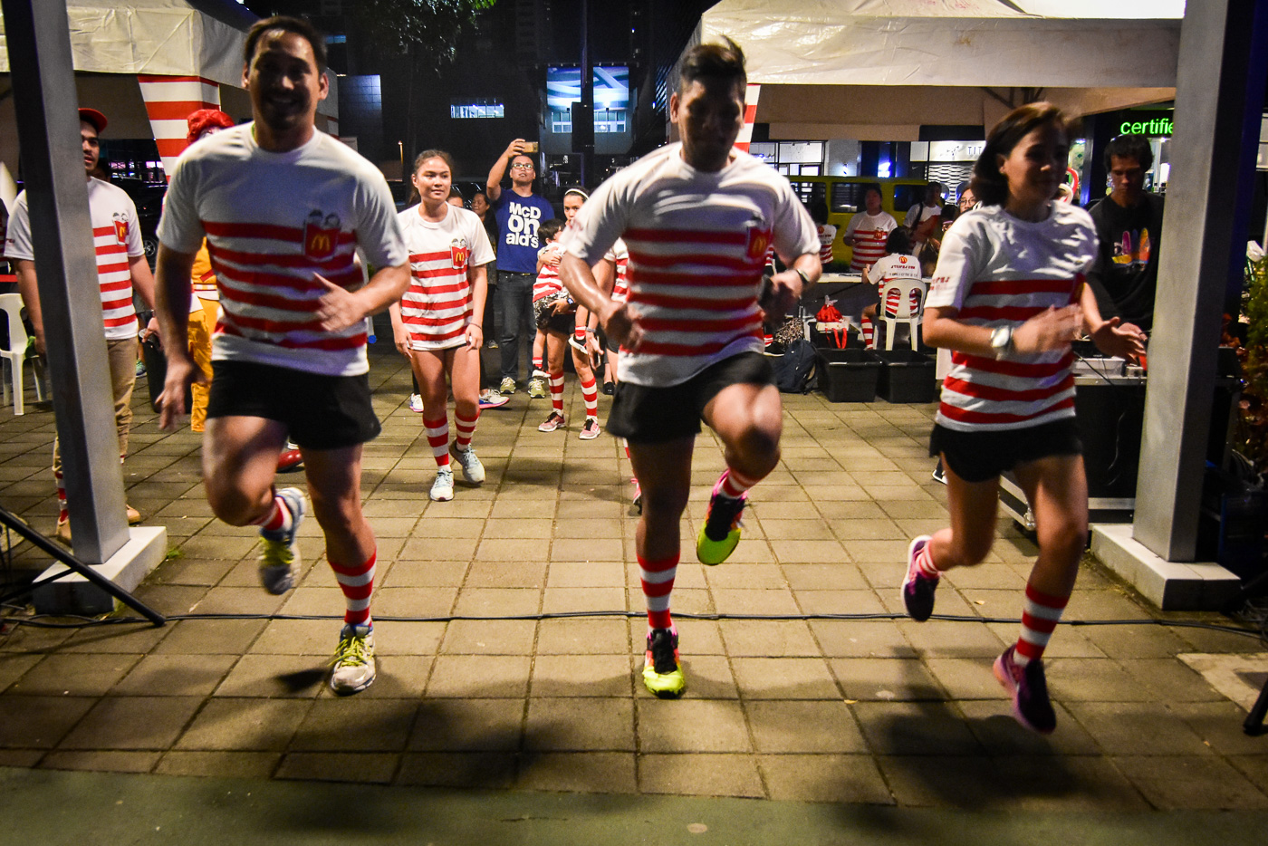 RUN FOR READING. Ahead of the actual run, McDonaldu2019s held a running clinic for select members of the media