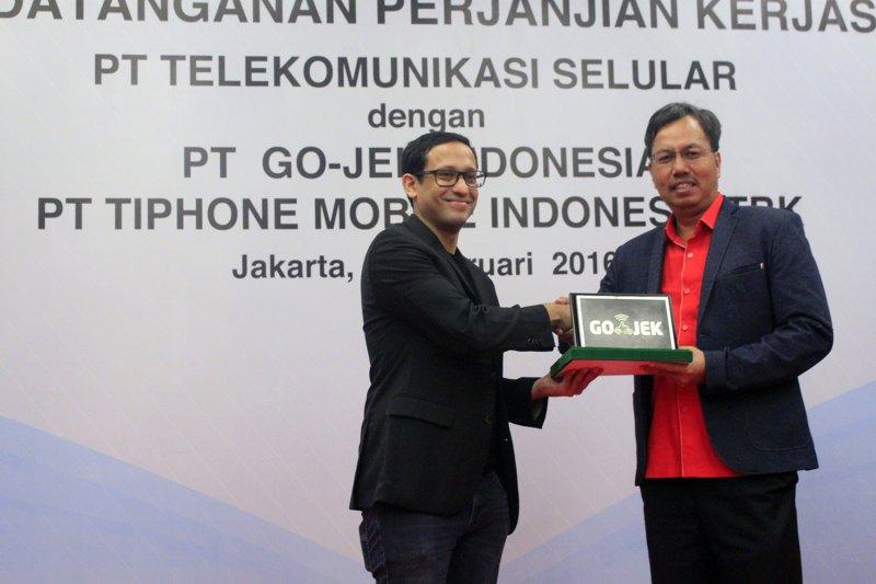 Go-Jek akan menjadi salah satu kanal penjualan pulsa Telkomsel. Foto dari Tech in Asia