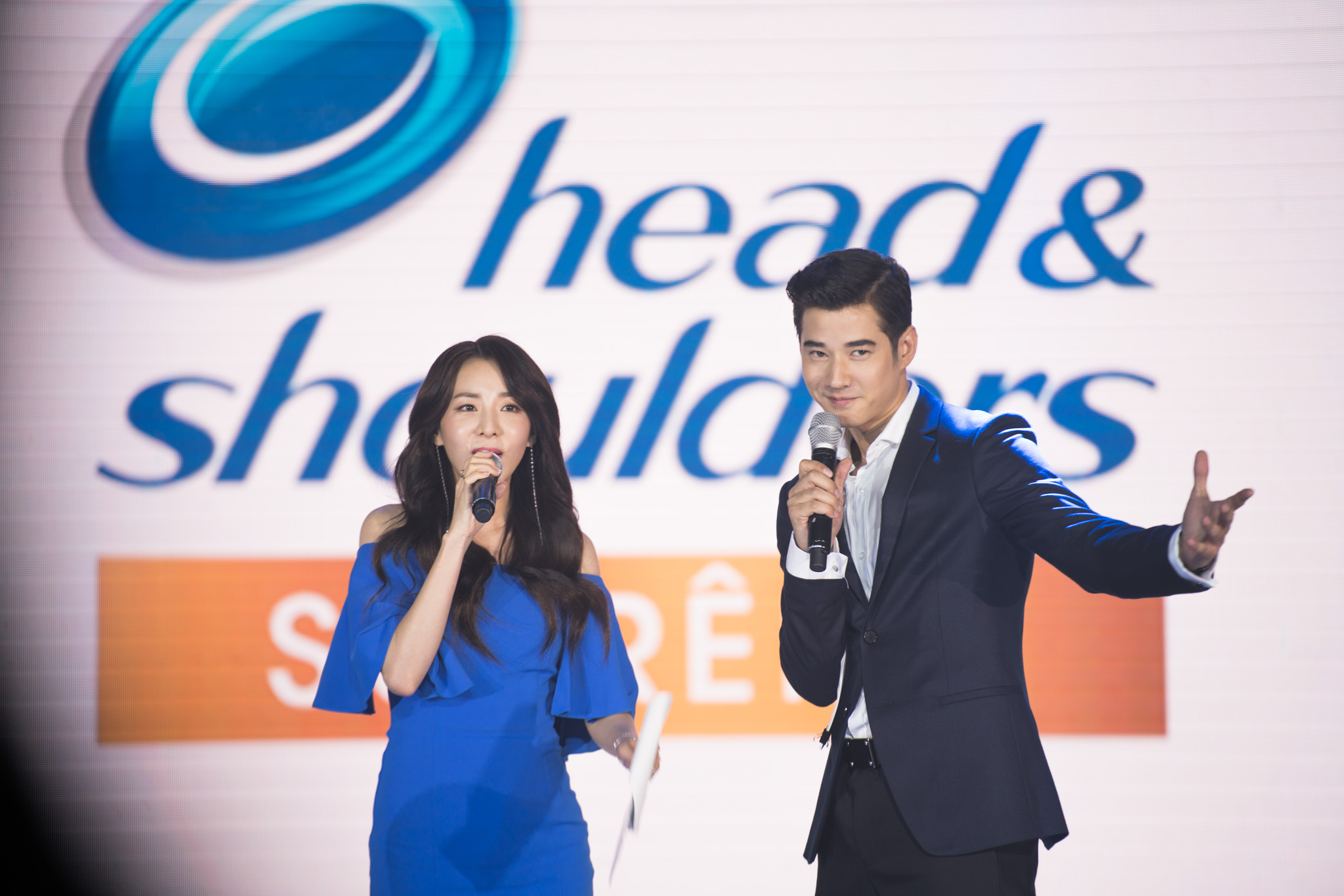 Sandara and Mario are the Asian ambassadors of the brand.