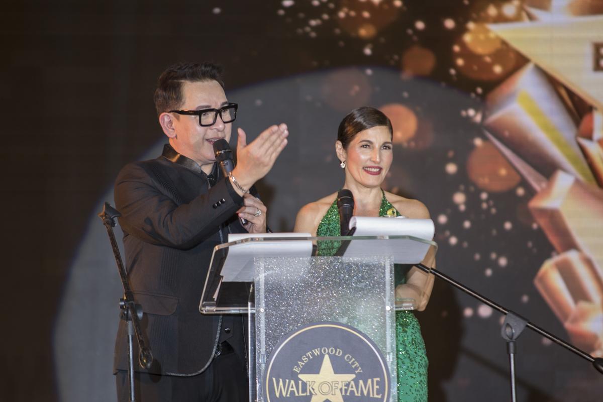 Hosts John Nite and Jackielou Blanco