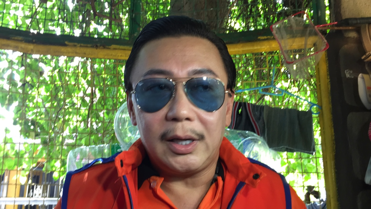 BINAY'S ALLY. Dismissed Laguna governor ER Ejercito says he will fully support Binay and his party, UNA. Photo by Mara Cepeda/Rappler