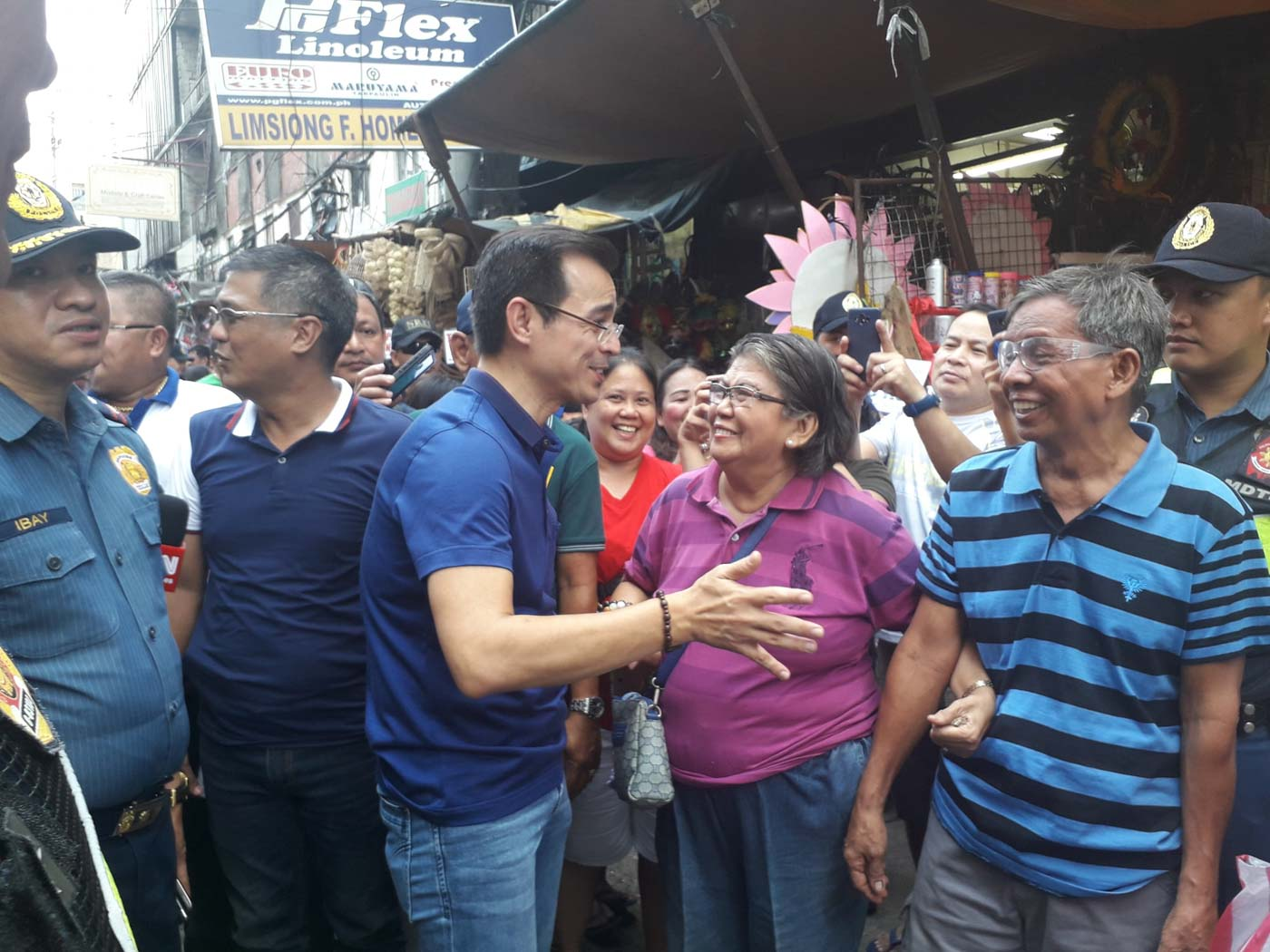CLEARING OPERATIONS. Manila Mayor Isko Moreno earns huge praise for clearing operations carried out in his first week in office. Photo from Isko Moreno Domagoso's FB page