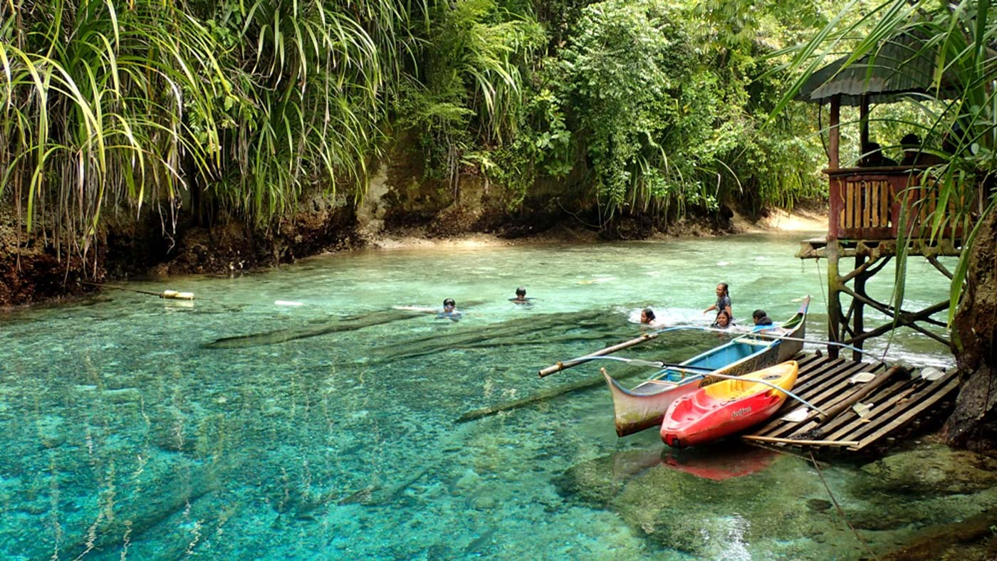 SWIMMING AREA. Beyond the rope is the designated swimming area for tourists. Photo by Claire Madarang/Rappler
