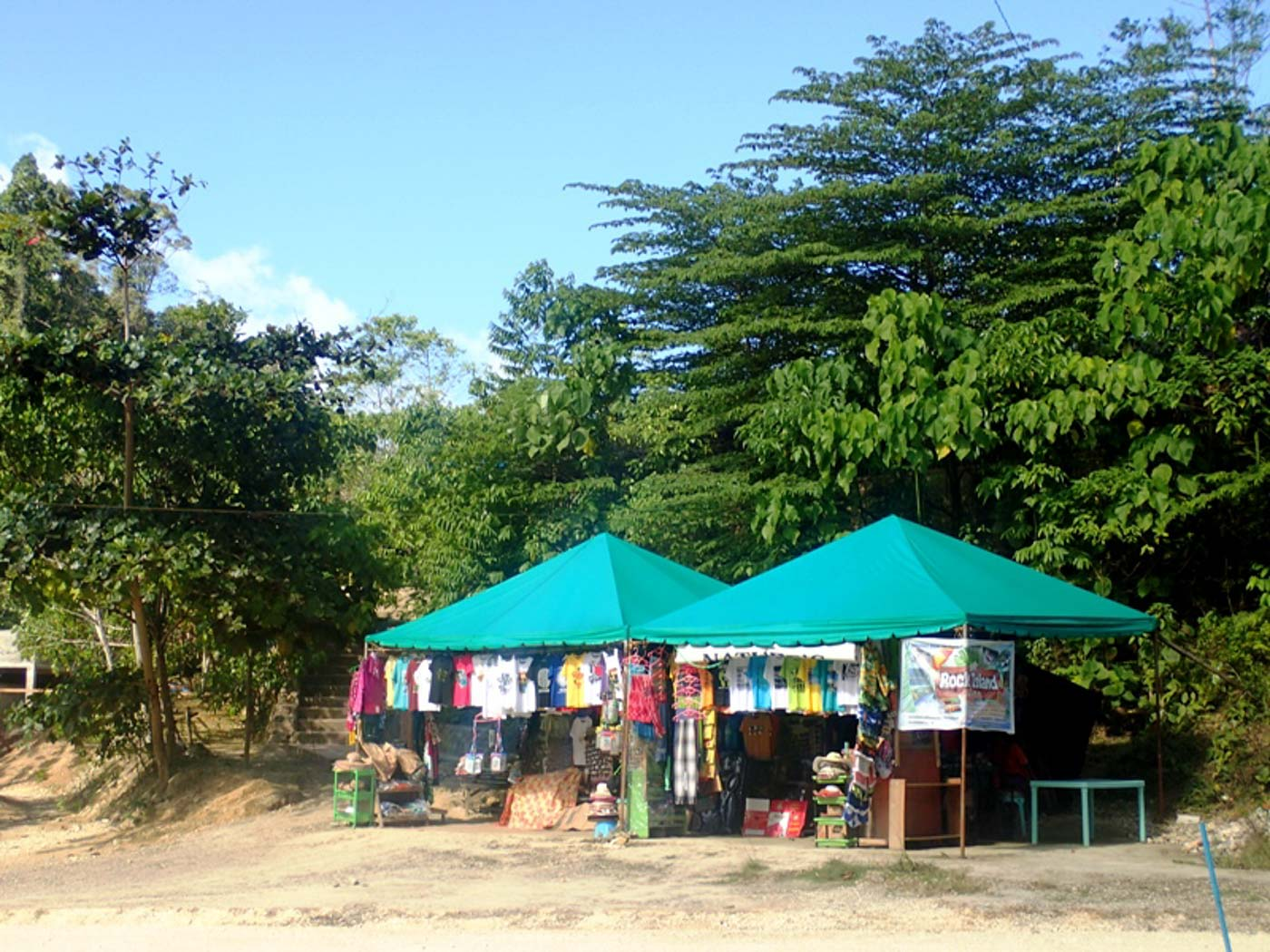 NEW AREA.  NEW AREA. During the riveru2019s closure, facilities like the souvenir stalls pictured here were moved to this new, more spacious area over 300 meters away from the river.