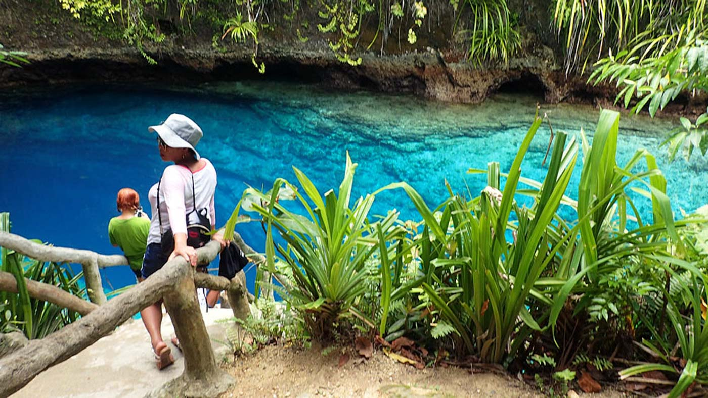 PHOTO OPS. Tourists can now easily sightsee and take photos around the Blue Lagoon. Photo by Claire Madarang/Rappler