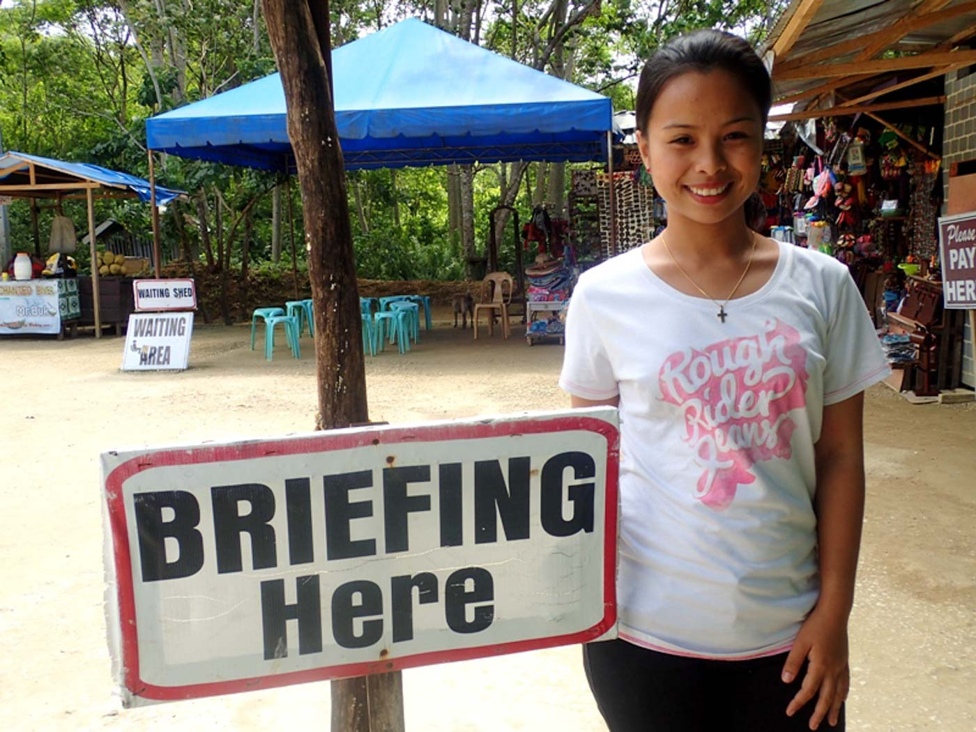 BRIEFING. All tourists are required to attend a briefing before going to the Enchanted River. Photo by Claire Madarang/Rappler