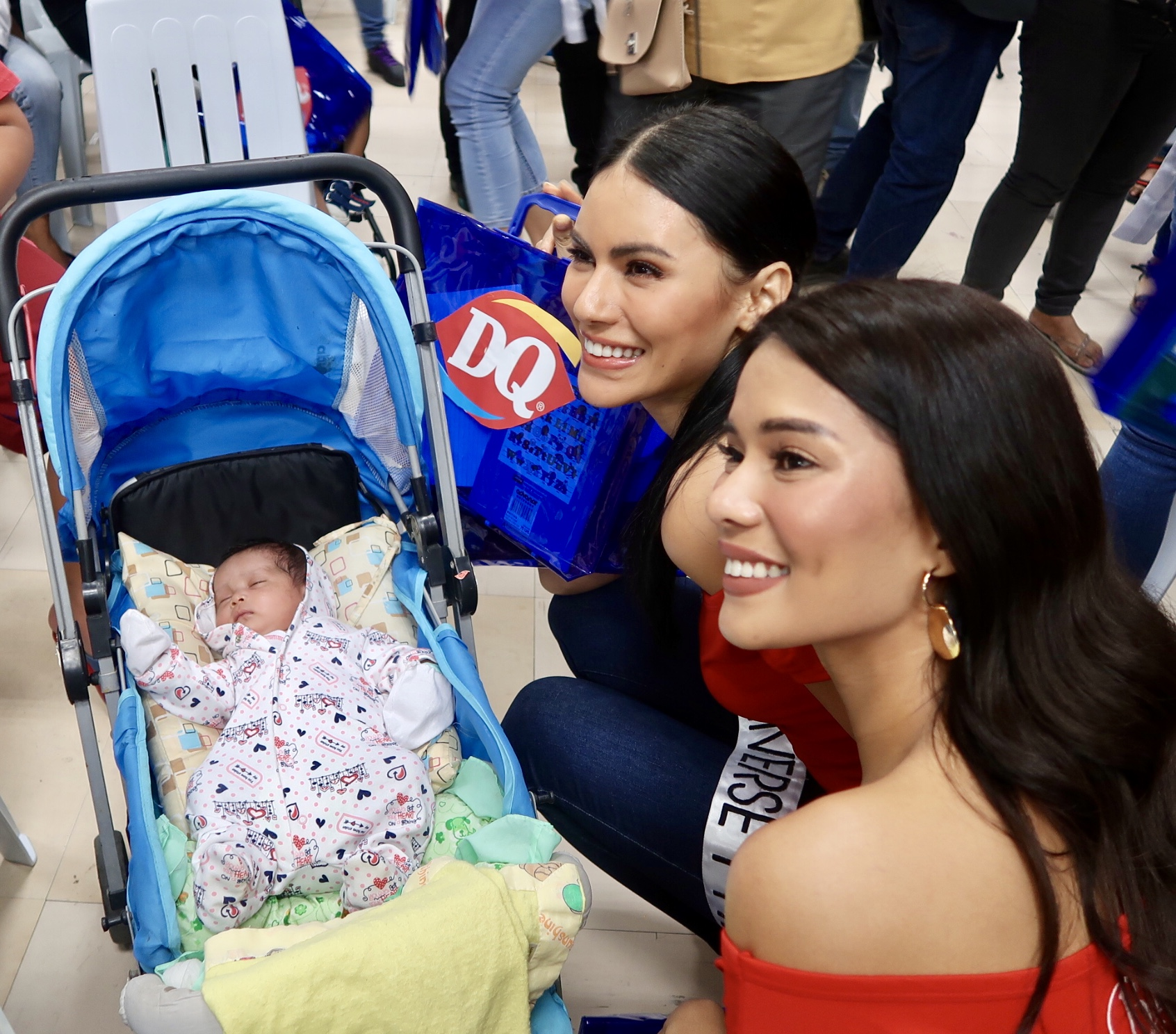 CUTIE TIME. Gazini Ganados and Leren Bautista pose with one of the babies at the hospital.