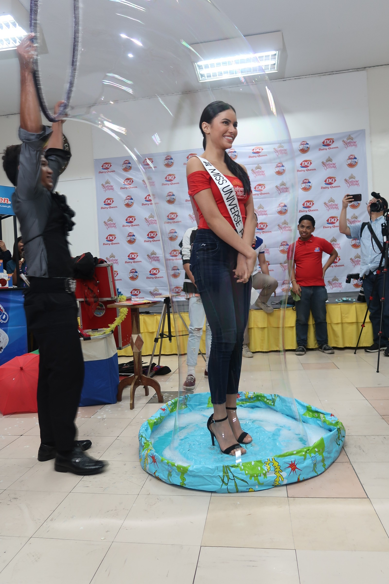 GIANT BUBBLE. Miss Universe Philippines 2019 Gazini Ganados joins in the fun.